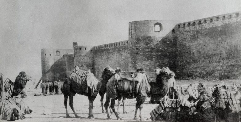 old-baku-fortress-towers-and-wall